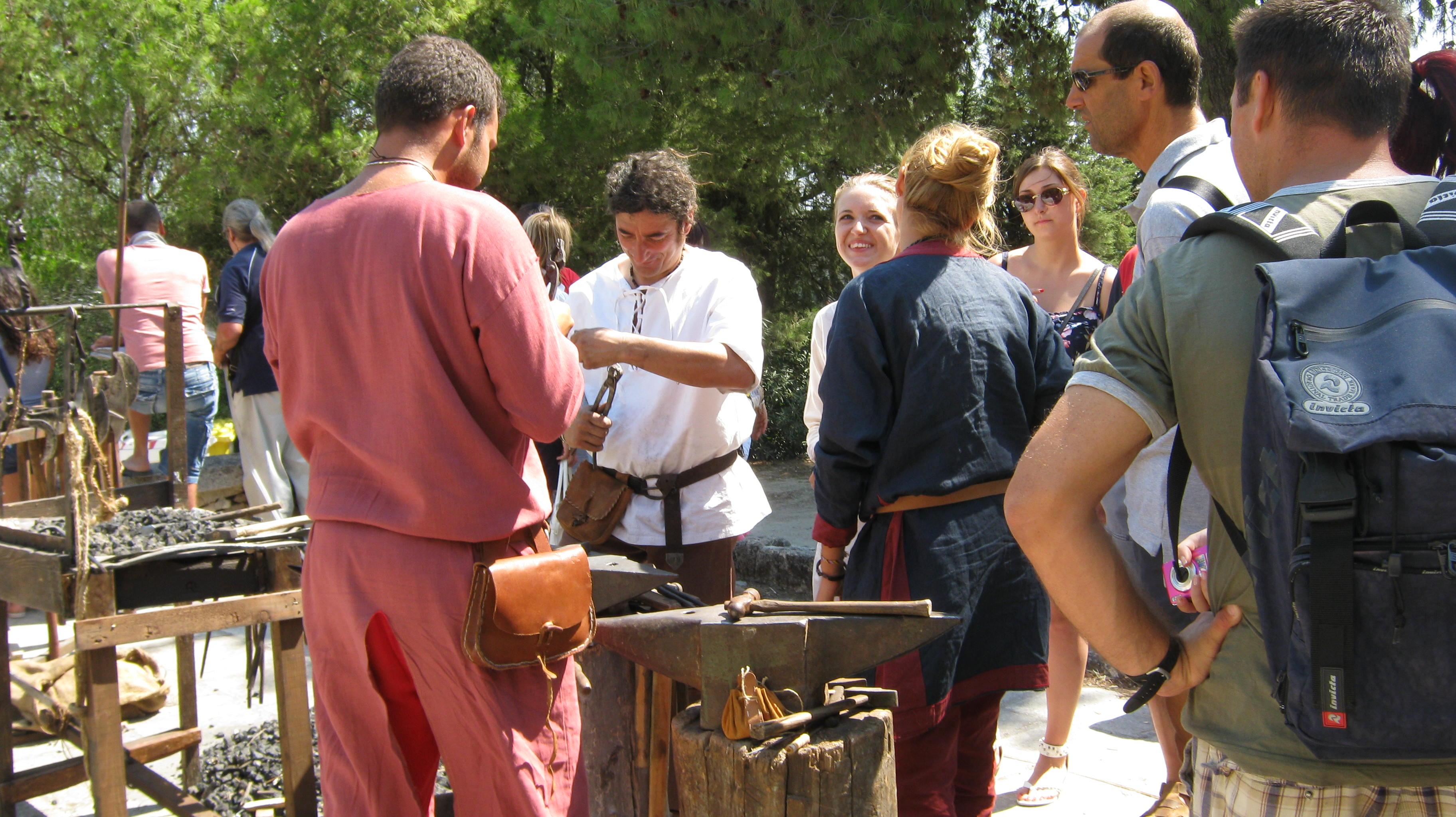 forgiatura all'accampamento medievale di Oria